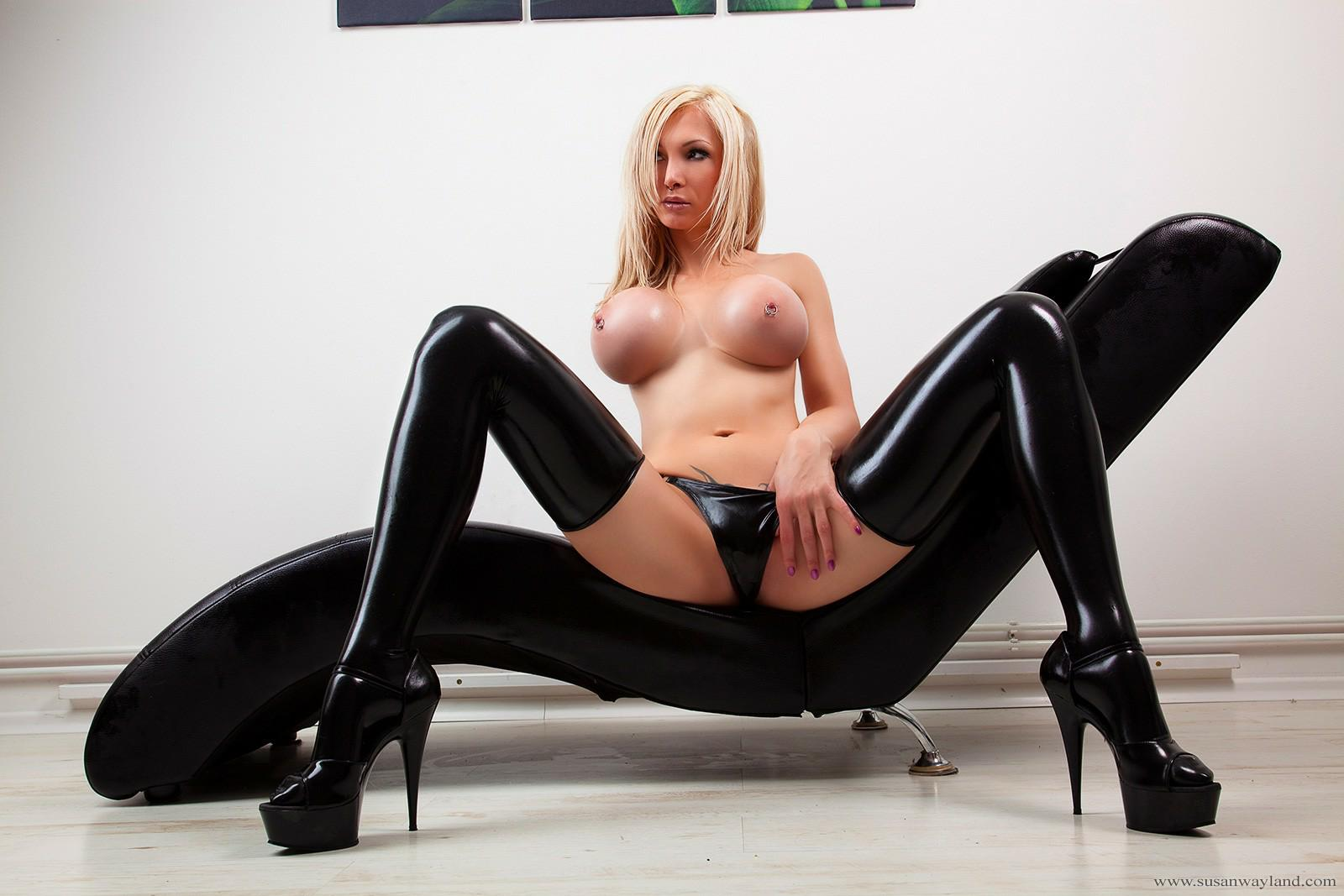 gratis avsugning latex strapon